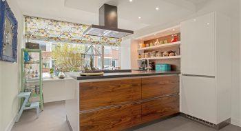Moderne keuken in unieke opstelling